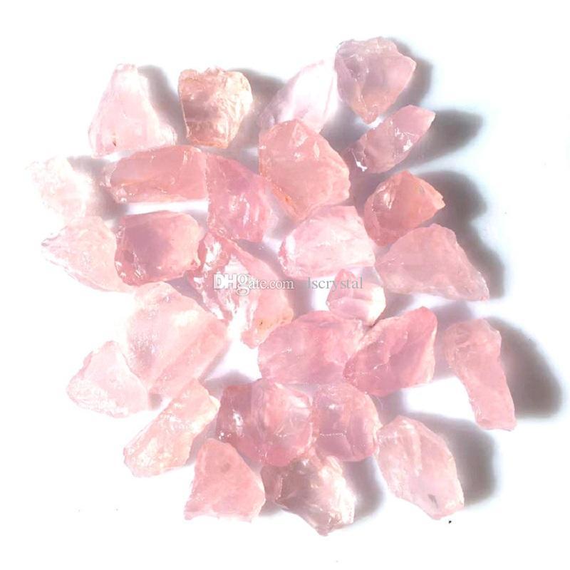 Pietra grezza naturale rosa quarzo cristallo pietra feng shui pietra minerali serbatoio di pesce decorazione di pietra all'ingrosso