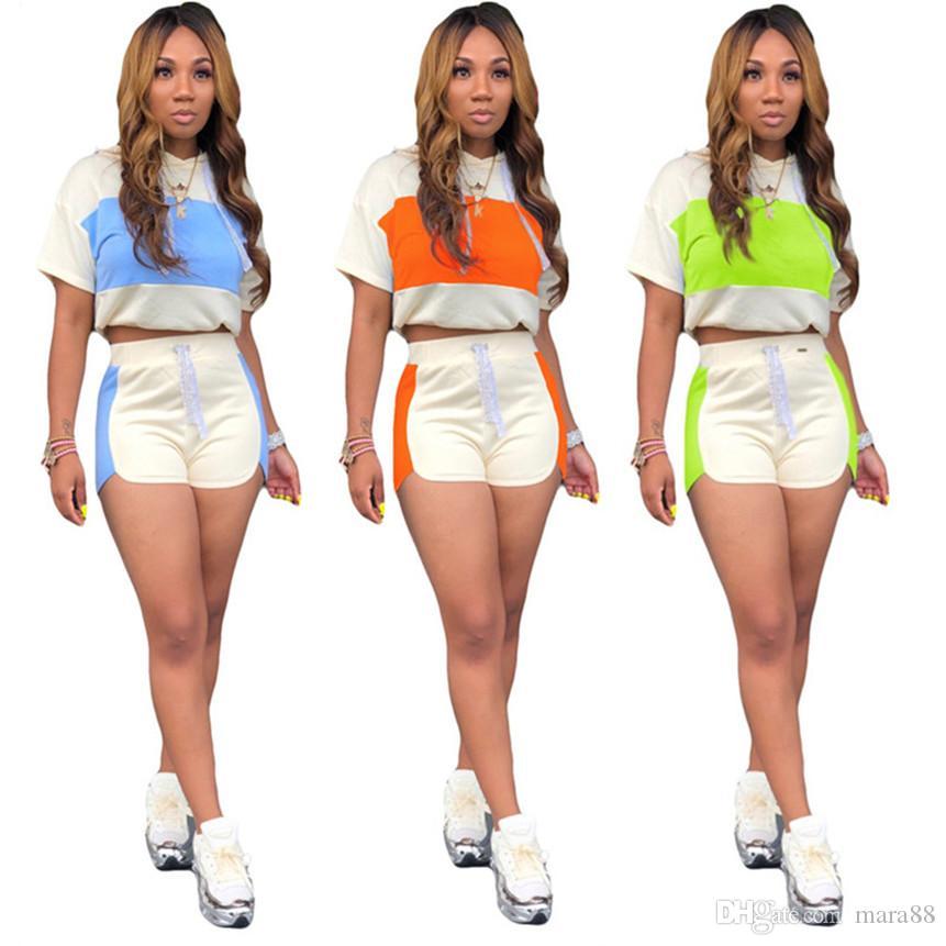 Kadın panelli eşofman kapüşonlu 2 parça set kısa kollu t gömlek + mini şort moda yaz giysileri casual jogger suit Ince kıyafetler 2839