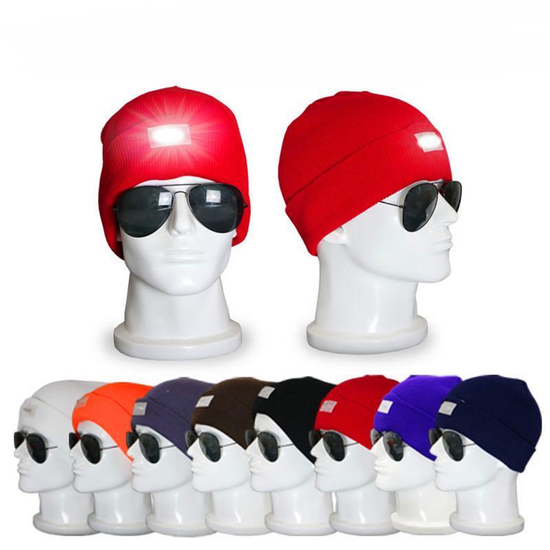 Светодиодное освещение Beanie Женщины Мужчины Кемпинги Вязаные шапки черепа Caps Путешествия Спорт Туризм взбираясь Night Hat Зимняя Вязаные шапки Light Up Прохладный Cap