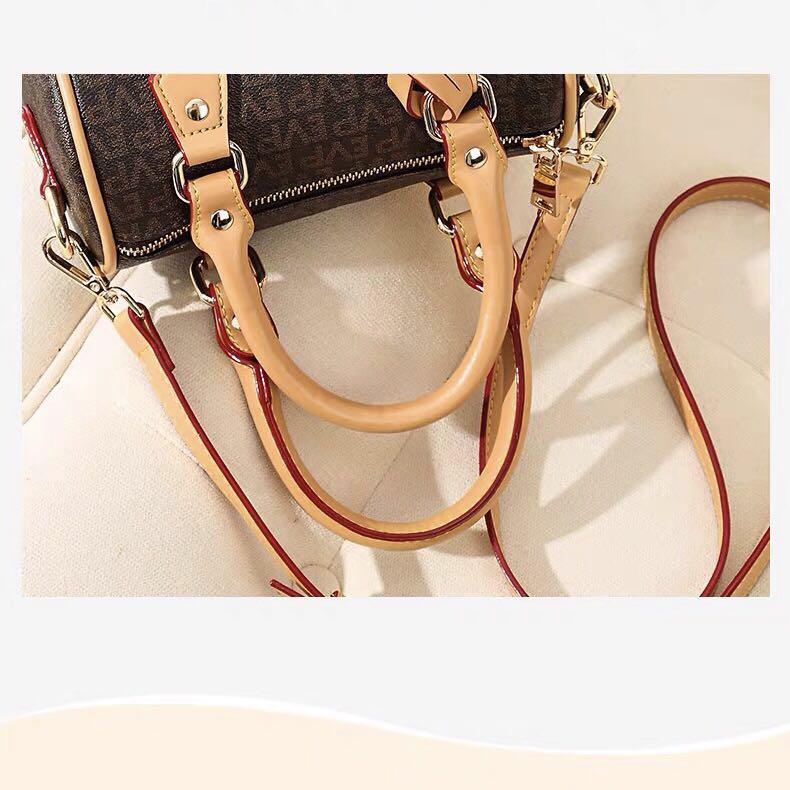 Bolsa Nuevos Mini Bolsas genuinas Teléfono Boston Leather Lady Messenger Nano Venta al por mayor Monedero Moda Satchel Bolsa Almohada Canvas Hombro Hombro CBQXX