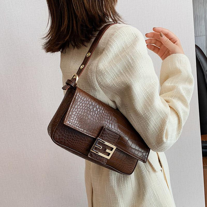 2020 Bayanlar Yüksek kaliteli Omuz Çantası Retro Koltukaltı Çanta Bayan Baget Klasik Marka Kilit Yabani Omuz Tasarımcı çanta