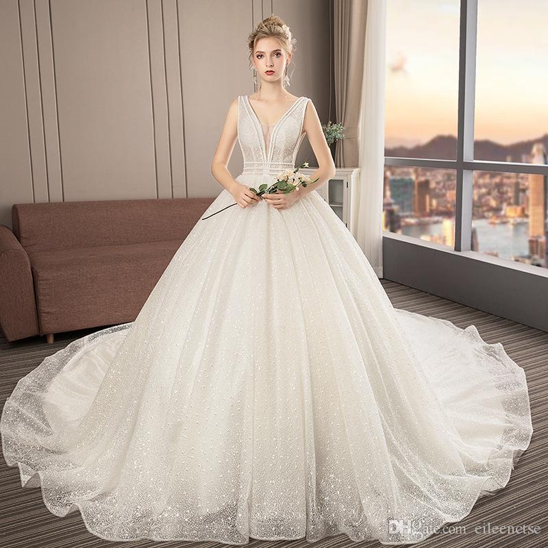 2019 Bir çizgi V boyun yüksek kalite dantel gelinlik 1.5 M kat uzunluk Kolsuz gelin evlilik elbise