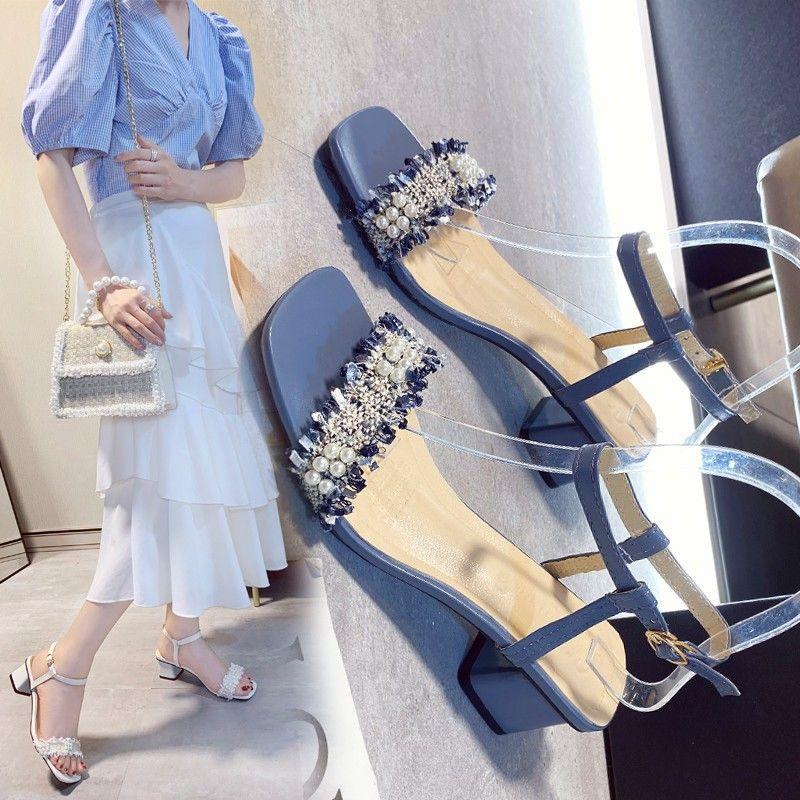 2020 nueva primavera y el verano de espesor con la palabra ocasional de la manera del verano del estilo de hadas con cómodas sandalias de las mujeres