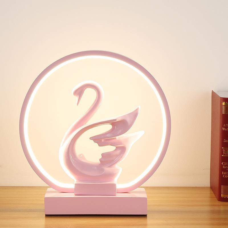 Lampada da comodino camera da letto nordica per tavolo lumuotico in resina Swan Design Design LED Tavolo da sposa Luci da sposa decorativa Desk lampada da tavolo