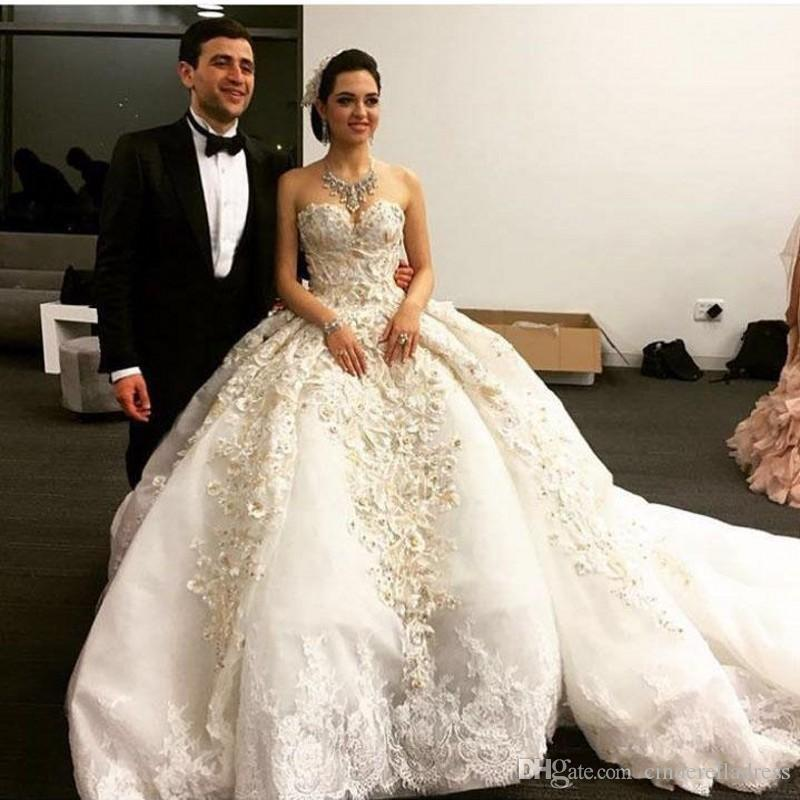 Michael Cinco 2020 Luxuey Off the Shoulder Sweetheart Embroidery Pearls Sleeveless Ball Gown Cathedral Train Puffy Wedding Dresses Overskirt