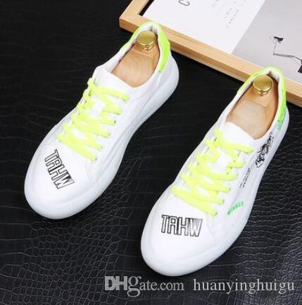 2019 Neue Männer Glitzer-Schuhe Herrenmode beiläufige Ebene Männer Entwerferkleidschuhe Sequined Loafers Herren Plattform Fahren Schuhe 38-43