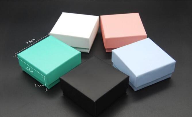 Diverso Jewelry Scatola di colore per lo più per degli orecchini della collana dell'anello del pendente Gioielli Packaging e display 7.5X7.5X3.5cm