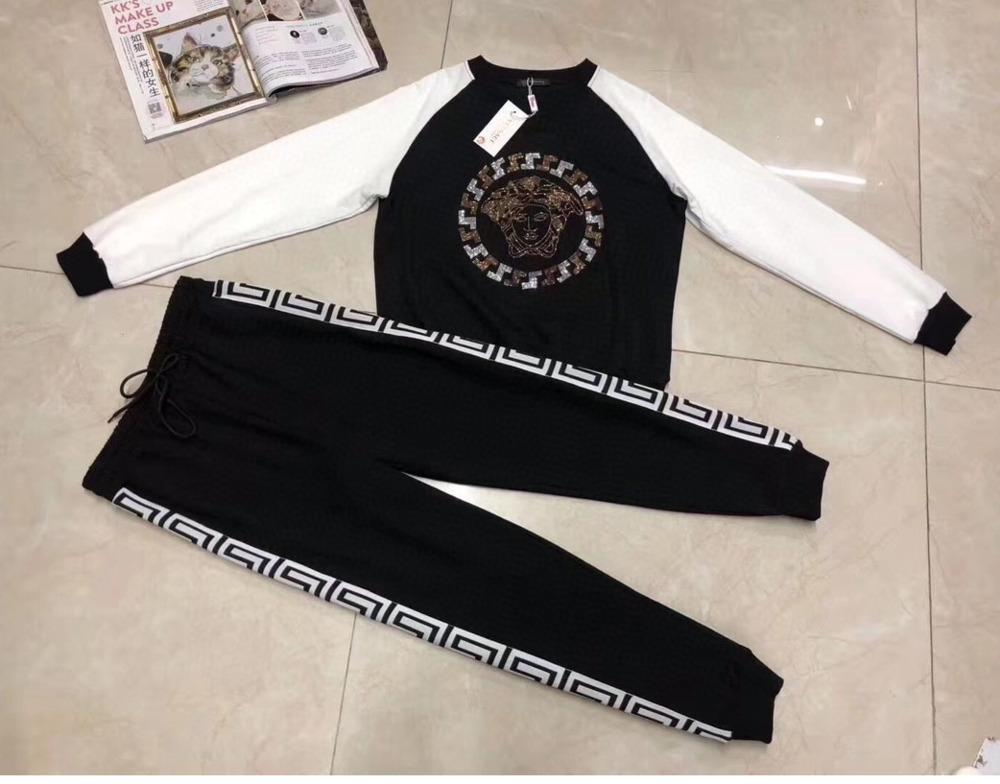 2020 Fashion good fabric new embroidered sweater casual pants suit ladies tracksuits 031401