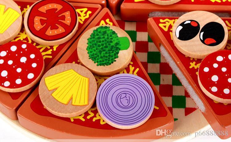 Ahşap bağlayıcı bir pizza bulmaca, kesme müzik, erken eğitim, eğitim kız, mutfak, aile, ahşap oyuncaklar