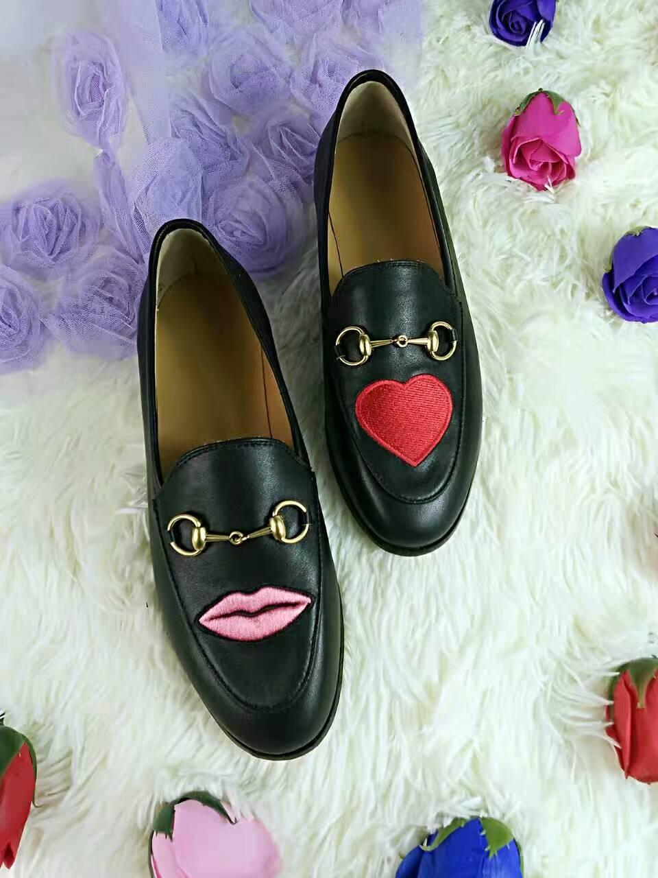 Hot Sale- version! u721 40 2 colors genuine leather embroidery flats loafer shoes flower snake heart lips black white g 2017 boyish stylish