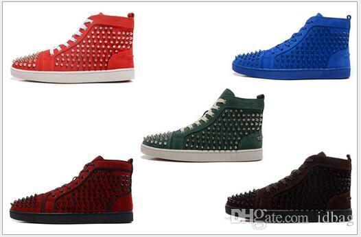 Top Vente Designer clouté Spikes chaussures hommes sandales Flats Red Shoes Bas Party hommes et femmes Lovers Chaussures de sport en cuir véritable