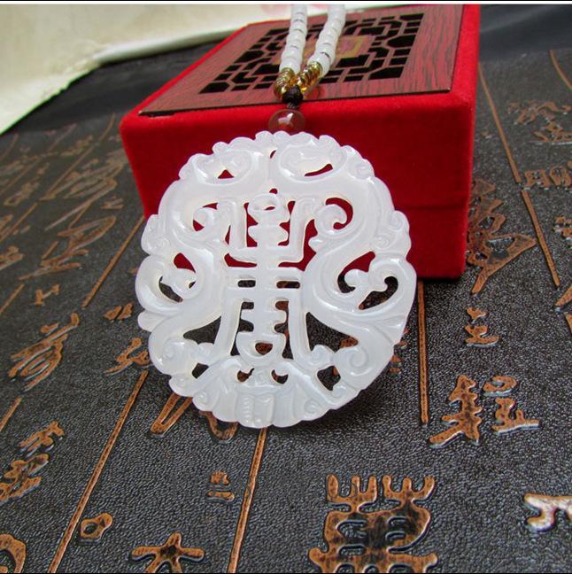 Naturale giada bianca su due lati cava pendente del drago giadeite collana di fascino Accessori per gioielli intagliati a mano da regalo Luck Amulet