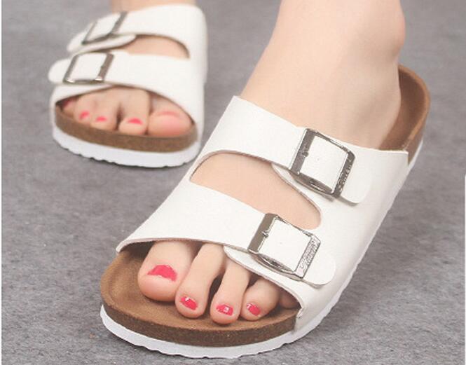 Moda Cork deslizador de las sandalias Nuevo verano Hombres Mujeres Parejas remiendo Beach Diapositivas doble hebilla CHANCLAS zapatos blanco