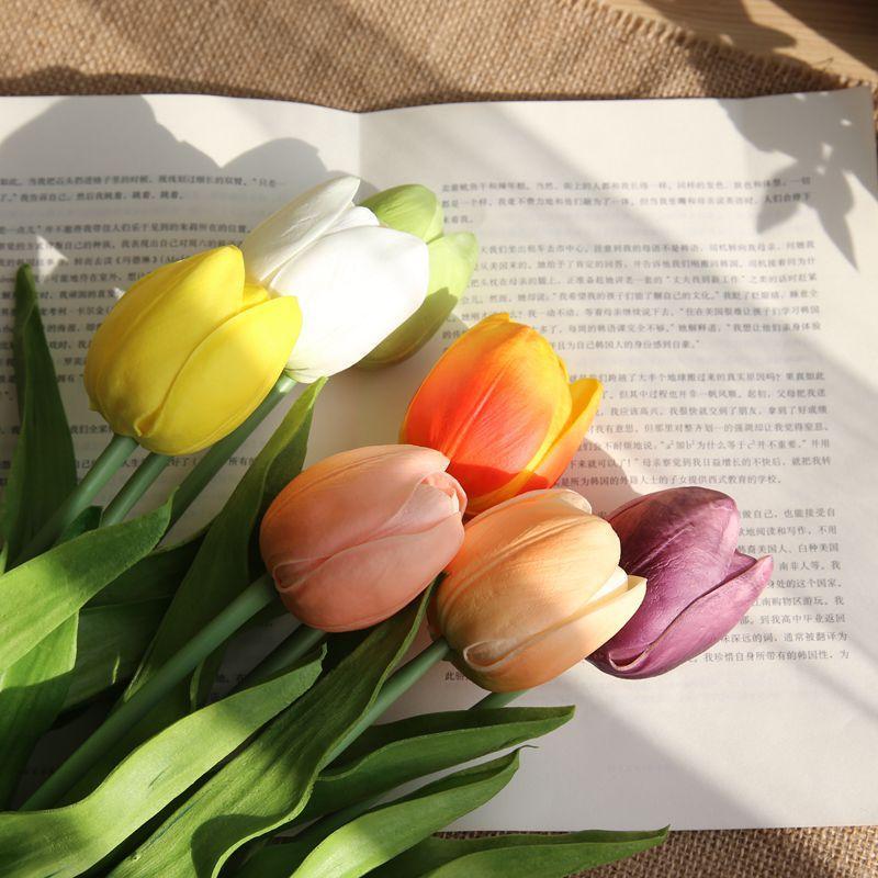 10pcs / lot de la flor del tulipán verdadero toque PU flores falsas tulipán simulación de la flor artificial de la boda para el hogar decorativos corona
