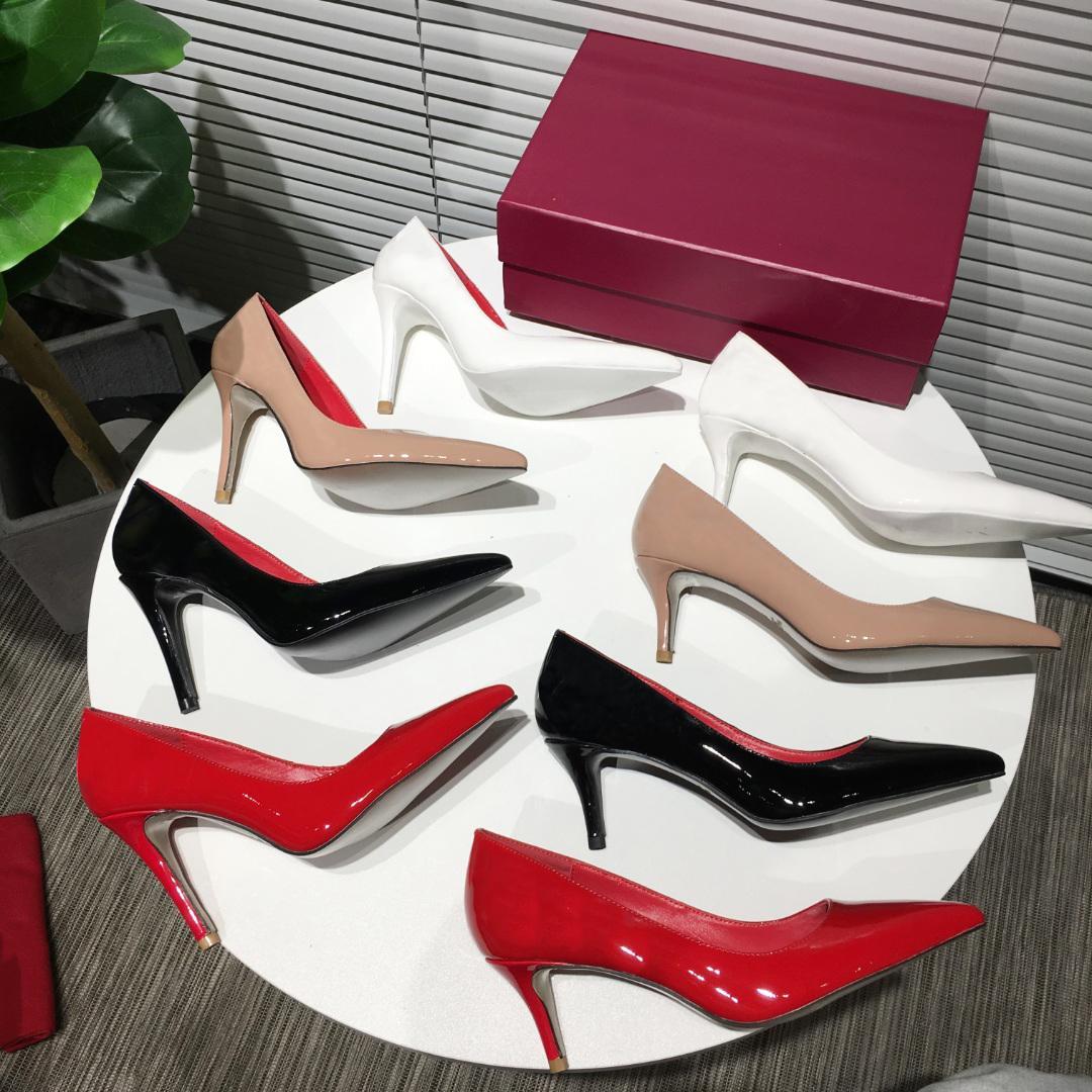مع مربع مصمم الأزياء النساء حذاء أحمر أسفل الكعب العالي 6.5CM 9.5CM كعب عال متعدد الألوان واشار أصابع القدم مضخات الأحذية اللباس