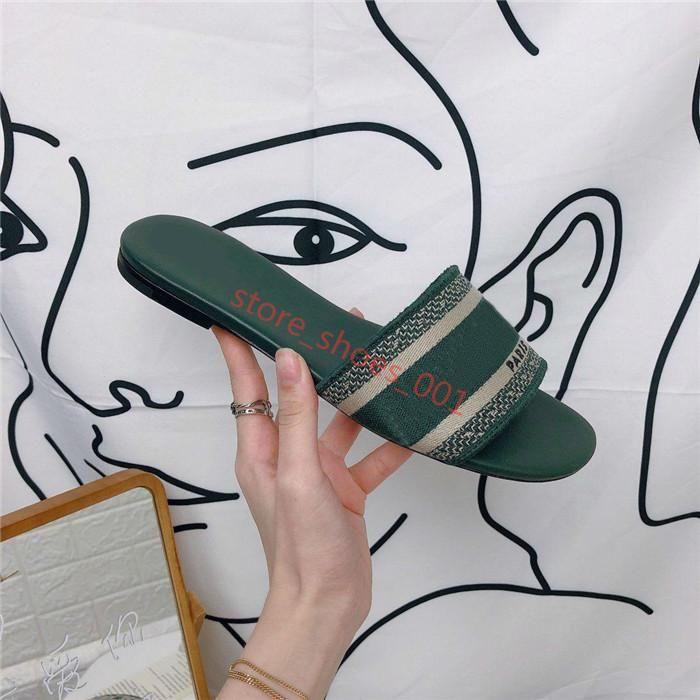 Dior slippers büyüklüğü 35-42 terlik Tasarım Deri Bayanlar Yaz Düz Terlik modası deniz kadın Karikatür kafa Terlik Gökkuşağı harfler