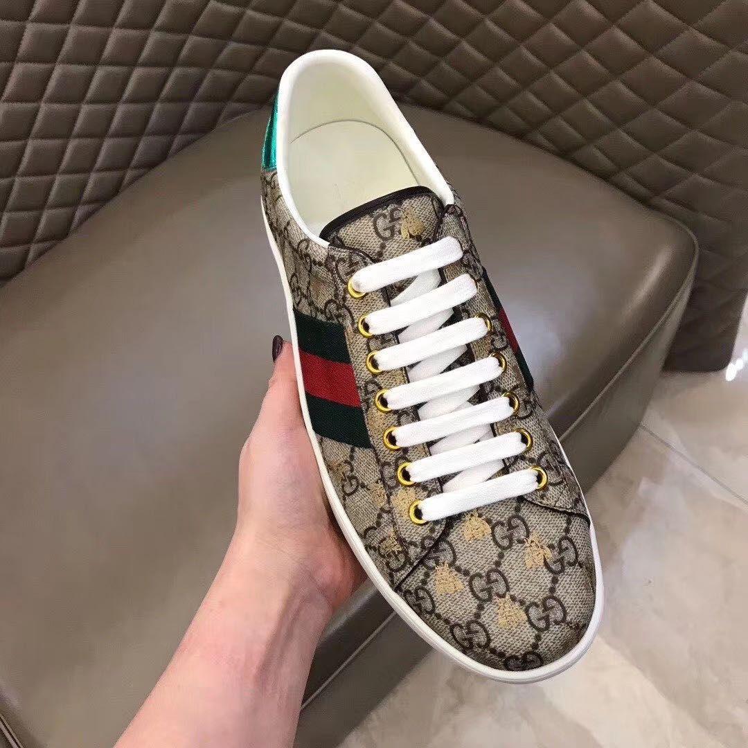 Diseñador de ropa de cuero de alta calidad para hombres, verde, rojo, verde, zapatos de piel de oveja, zapatos de ocio, patrón de abeja, zapatos planos de fondo suave 40