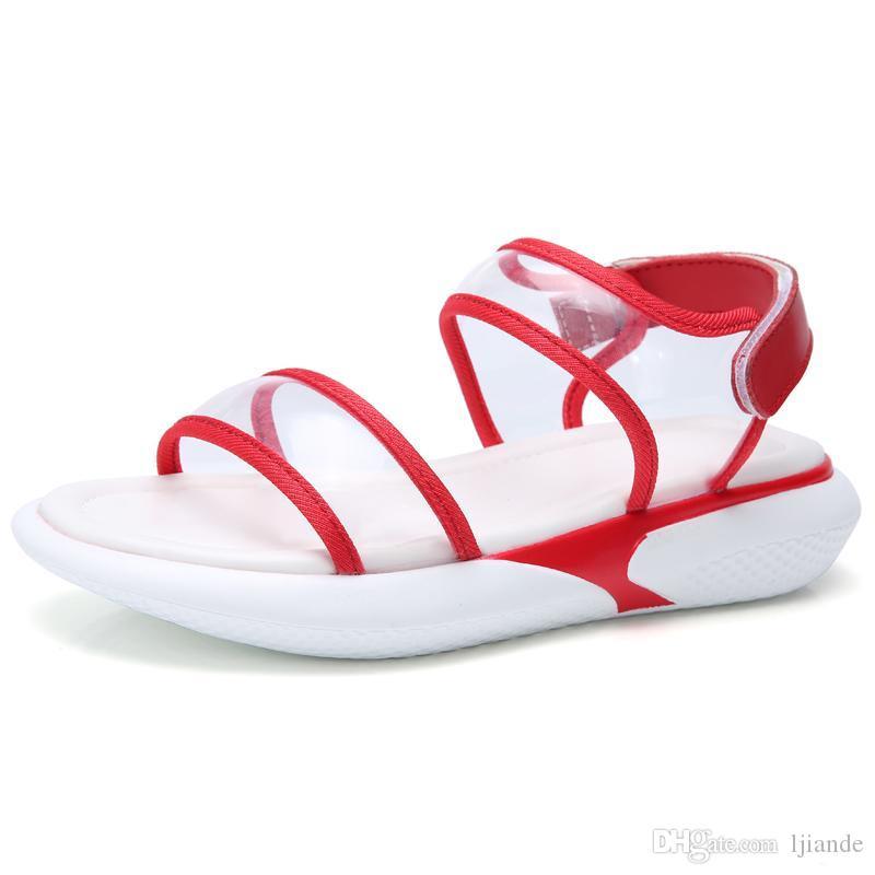 mais novo Designer rebitada Esportes sandálias da marca Luxo diamante senhoras Chinelos de lazer sandálias da moda de couro ao ar livre praia Mulheres das mulheres