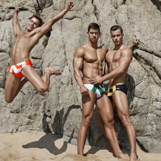 Men Fashion Swimwear Sommer-Marken gedruckt Badeshorts Kontrast-Farben-Schwimmen Briefs Mens reizvolle beiläufige Swim Boxer 6 Farben Hot