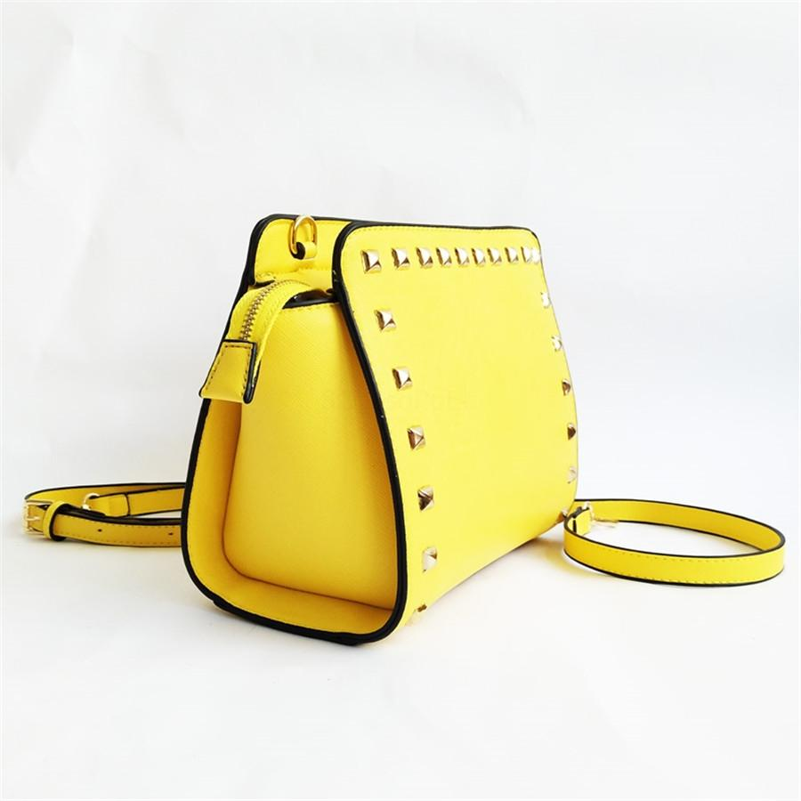 Danube 43678 Designer Shoulder Luxo Bag Men torção bolsa de couro de compras Mensageiro de compras ombro saco bolsos Rebites Cosmetic # 810