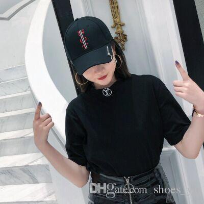 La versione coreana del Personality Zipper Sunshade Embroidery Letters uomini e donne moda strada curvo cupola berretto da baseball persone
