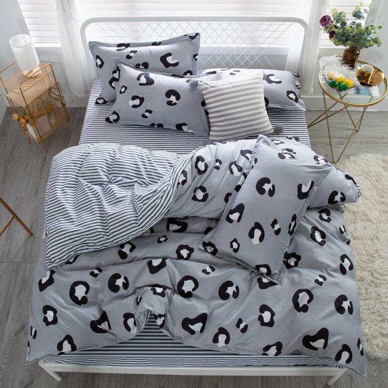 дизайнерские постельные одеяла наборы вышивка постельные принадлежности письмо бутик шаблон постельные принадлежности костюм Европа и Америка постельные принадлежности чехлы новый