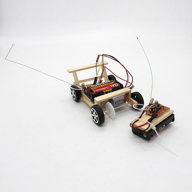 popular science experiment model for electric four-wheel wooden wireless vehicle DIY wireless remote control vehicle