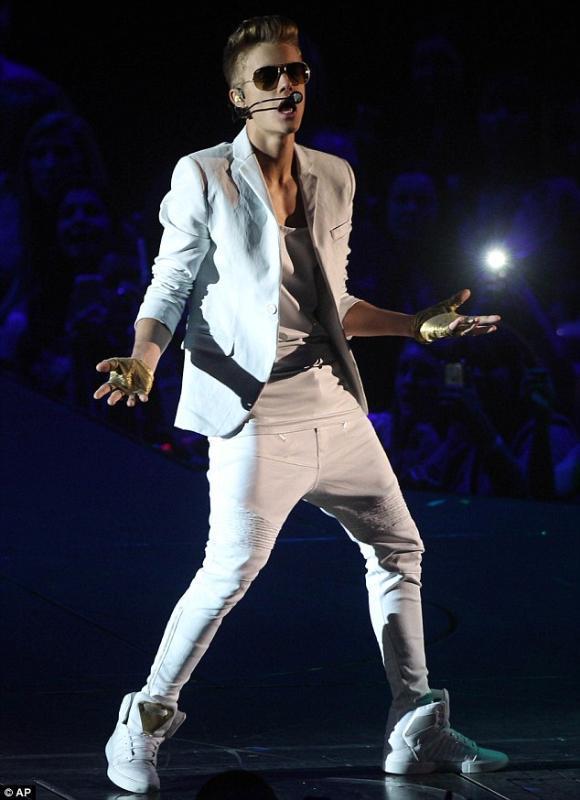 27-44 Justin Bieber 2017 vestuário Homens multi-bolso de couro harém calças calças Gota Crotch trajes Calças além palco tamanho cantor