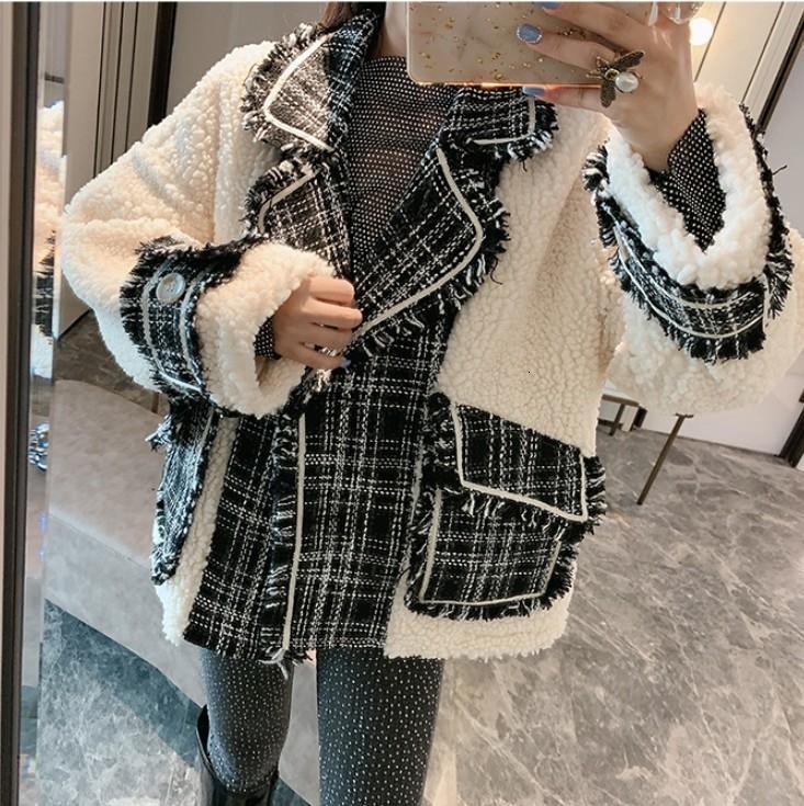 2019 New Autumn and Winter Retro Lamb Wool Stitched Tweed Coat Women Loose Woolen Coat Lamb Fur Jackets T190926