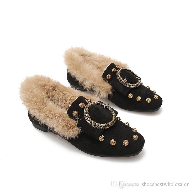 أحذية الشتاء الأزياء الجديدة باريس تريند مصمم الدافئة أحذية الفراء الفاخرة الكلاسيكية شقة المرأة ريترو الأحمر القيعان اللباس أحذية الزفاف