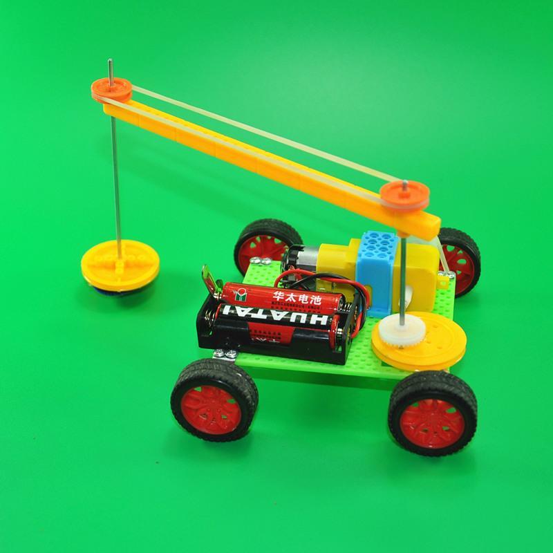 Robot Varrendo Alunos da Escola Primária Tecnologia Feita à Mão Pequena Invenção Criativa Ciência Educacional Brinquedos Experimentais