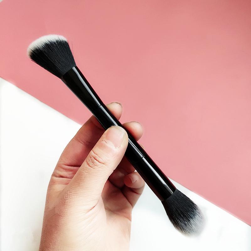 Kseries Siyah Çift Uçlu Işık Makyaj Fırça Açılı + Toz Karıştırma Fırçası Kontur Bronzlaştırıcı Fosforlu Güzellik Aracı # 10 3D Şekil 2 taraf Çift