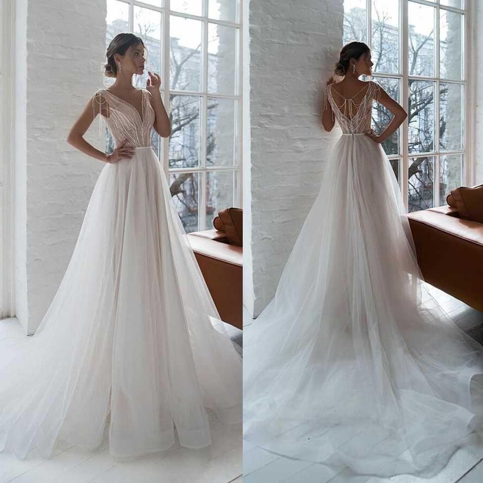 Pearl perline paillettes profonda collo a V Sheer cinghie una linea di abiti da sposa, con schiena aperta su ordine Tulle Abiti da sposa con sweep treno