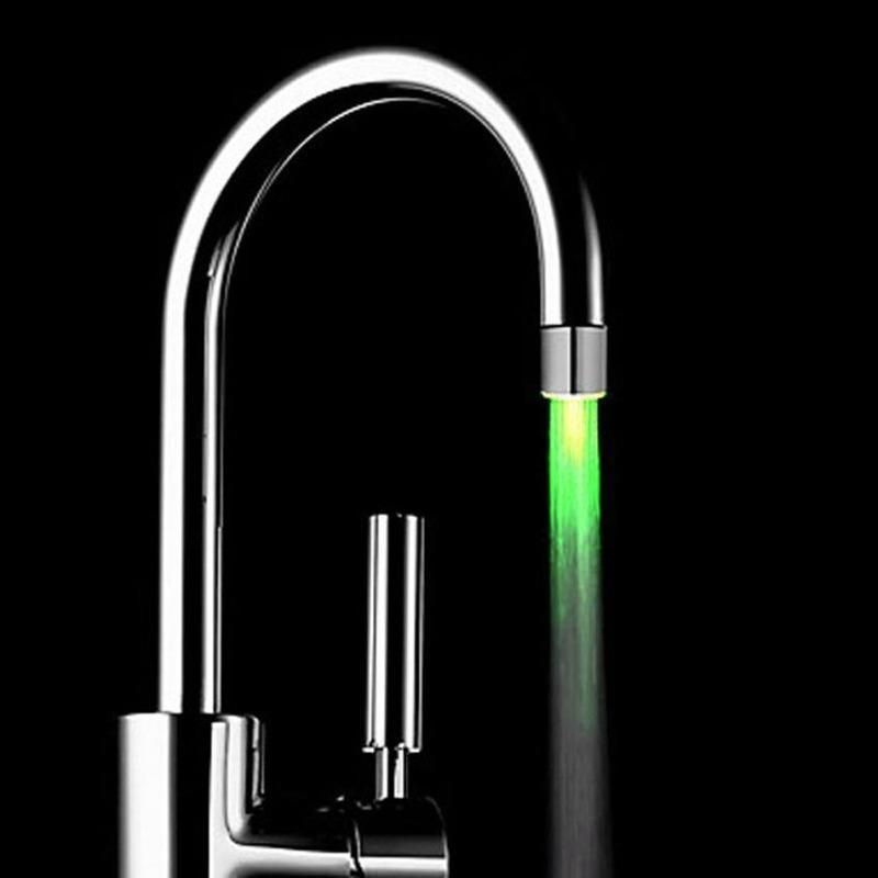 De gama alta Jefes LED Luz Agua del grifo del RGB LED Glow ducha corriente Baño Ducha Cambio grifo de 7 colores