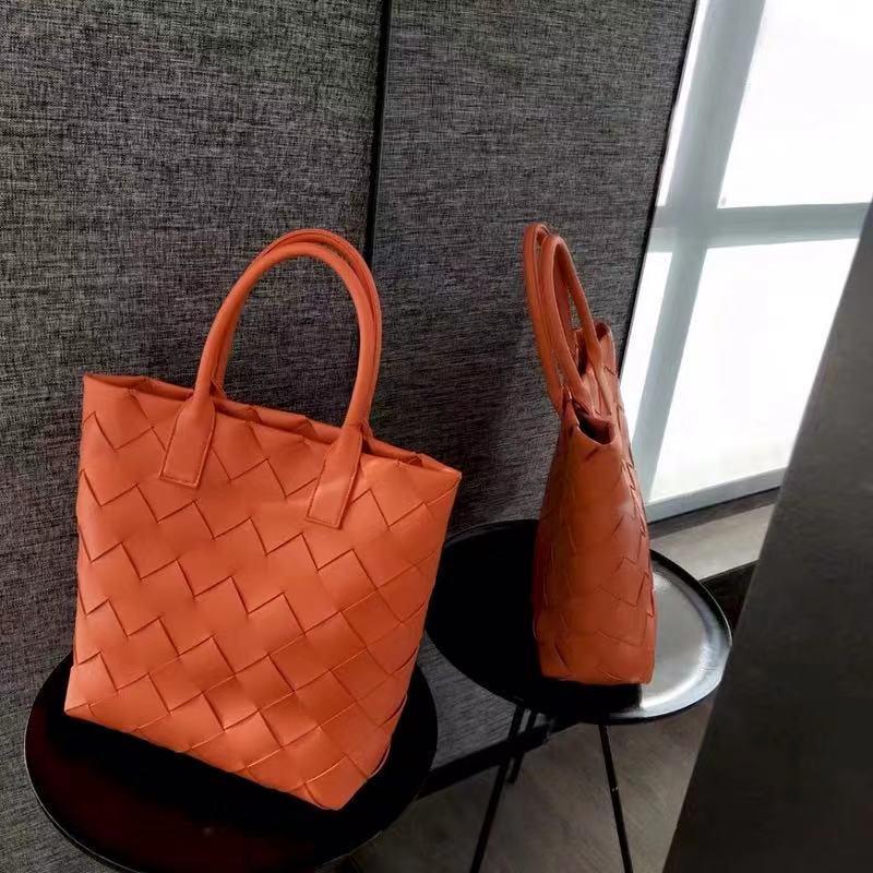 De lujo de nueva bolsa de asas de cuero del diseñador casual Knitting bolso Mujeres sólido mujeres del bolso bolsos de alta calidad tejida vertical bolsos K1280G