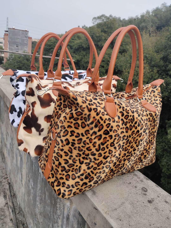 nouveau modèle en cuir poignée vache fausse fourrure impression multifonction décontractée sac Weekender grande dame courte polaire léopard sac fourre-tout