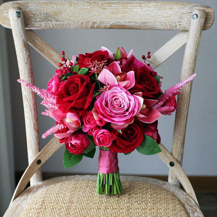 Rote Rosen-Blumen-Brautsträuße 2020 Fuchsia Hochzeit Bridesmaids Dekoration Künstliche Braut-Holding-Brosche Blumenstrauß Braut Blumen Mariage