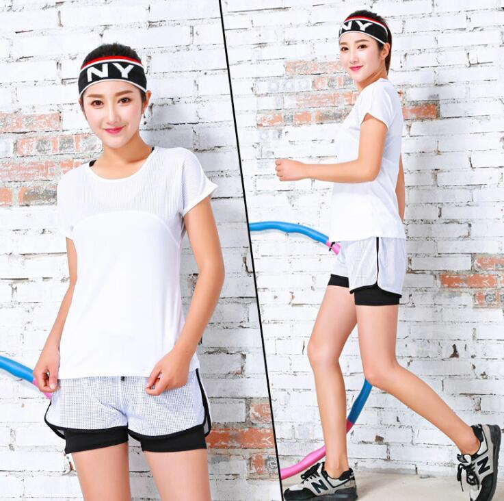 Esecuzione Shirt Pantaloni Shorts Yoga jogging Workout Yoga Sport Suit Set Gym Fitness vestiti atletici Collant Abbigliamento per la femmina