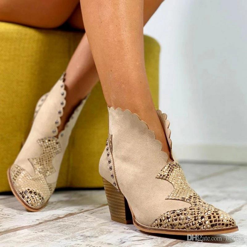 2019 neue Frauen-Retro Spitze PU-Leder Ankle Boot Herbst-Winter-Schlange-Druck Spitzschuh-Absatz-Cowboy kurze Stiefel Frauen Stiefel