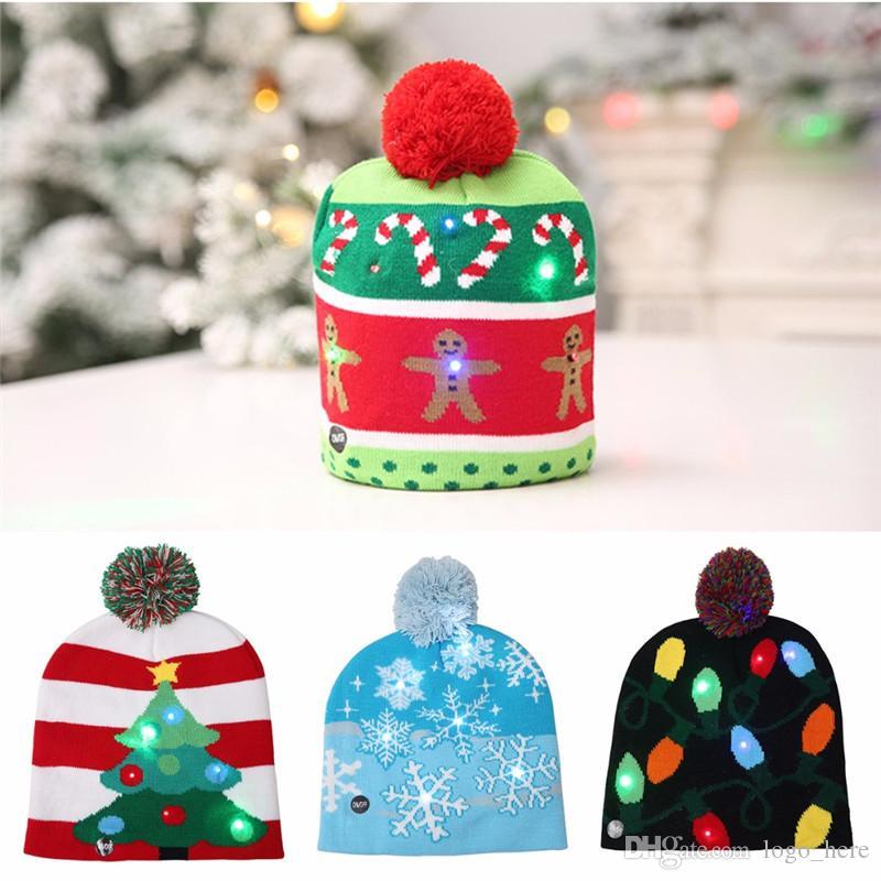 Nouveau LED de Noël tricotées enfant chapeau écharpe adultes Père Noël Bonhomme de neige renne Élans Festivals Chapeaux Xmas Party Cadeaux Cap R0685