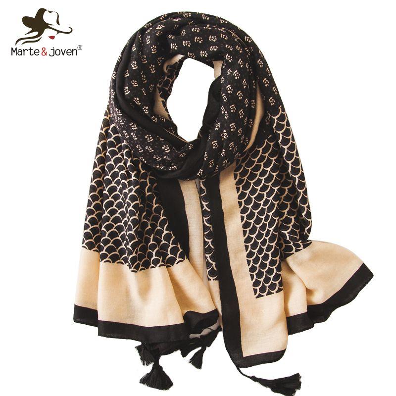Marte&Joven Vintage Mini Floral Print Tassel Black Scarf for Women Elegant Fish Scale Pattern Long Muslim Shawl Pashmina Hijab Y191024