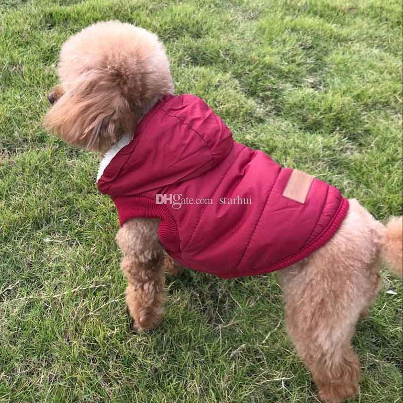 Inverno Pet vestiti del cane rosso con cappuccio a scatto Buckle Pet Dog Cest cotone del panno morbido del cappotto 3Colors Natale WX9-1792