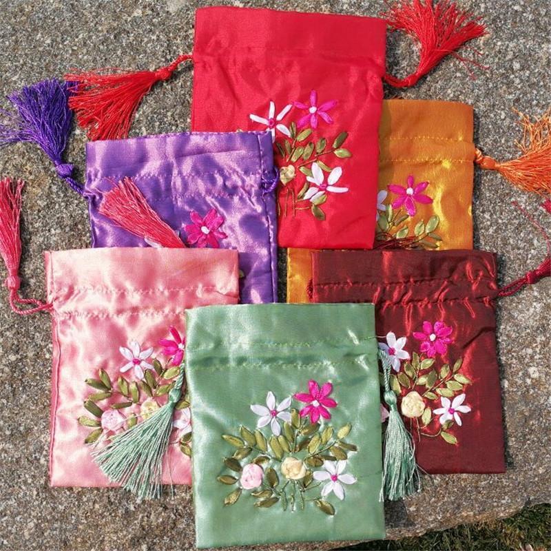 Schmuck-Speicher-Beutel im chinesischen Stil der Blume gestickten 18x23cm Tuch Hochzeit Süßigkeiten Verpackung Sack Geschenk-Beutel