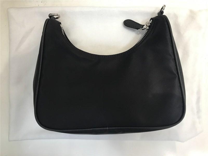 Best-seller Famoso Saco marca de moda para homens e mulheres Atacado Cross-corpo Bag Nylon com Coin carteira pequena 498345708