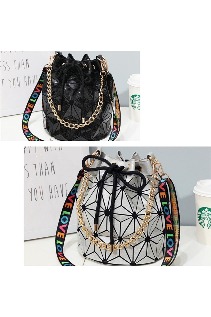 Modo delle signore europea Saddle Bag 2020 nuova qualità PU donna in pelle di design Shoulder Bag Sciarpa Catena Messenger Bags # 640