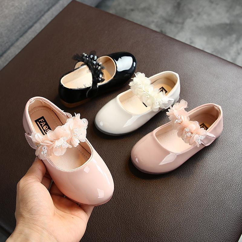 New 2020 Kinder Helle Lederschuhe des Mädchens Spitze Rhinestone-Prinzessin Schuhe Mode Kleinkind Baby Flats Tanzschuhe