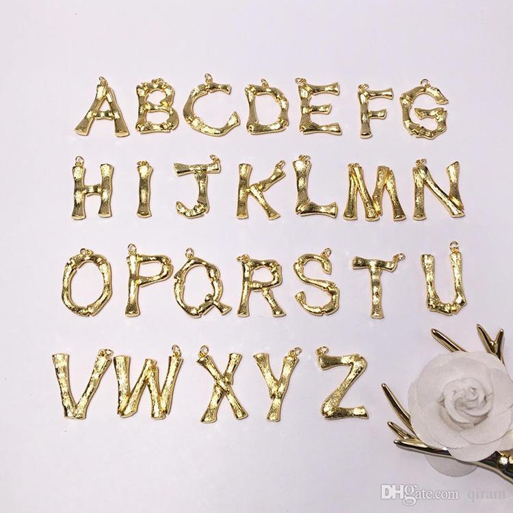2019 neue mode verkupferung brief liebe Halskette kurzen weiblichen schmuck 18 Karat vergoldet Titan Einzelne Anhänger brief Halsketten für frauen