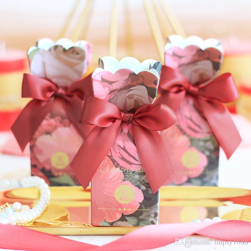 100 ADET Kırmızı fishtail çiçek Şeker Kutusu Hediye Kutusu Bebek Duş Düğün Iyilik Ve Hediyeler Doğum Günü Partisi Dekorasyon Olay Parti Malzemeleri