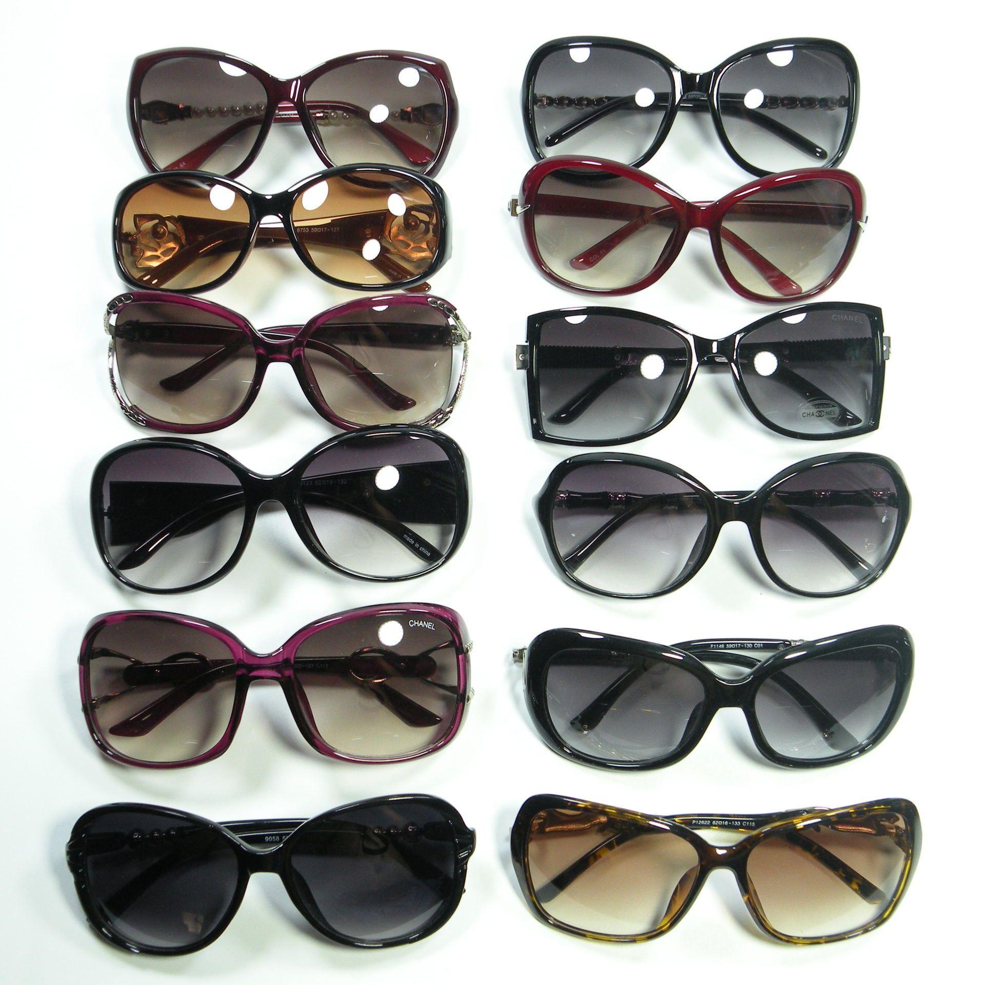 Color al por mayor en gafas de sol Mujeres Gafas sol y polarizado Modelos de lotes baratos Venta al por mayor Venta de mujer MEZCLA CFCSJ