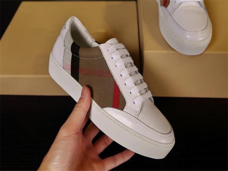 Burberry shoes Chaussures Hot hommes design de la marque Femmes Mode cuir de haute qualité Low Top Sneakers Sport stars White Shoes bbr200416